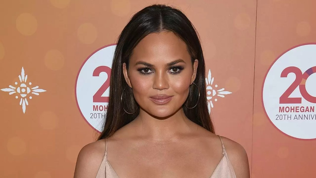 Chrissy Teigen surgery
