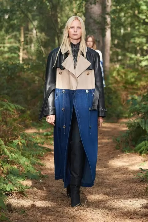 Check Out The Burberry Spring 2021 Ready-To-Wear Collection 5