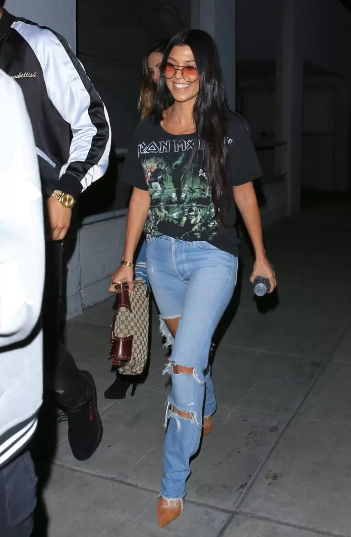 We've Got 5 Great Tips On How To Rock Distressed Jeans Just For You! 5