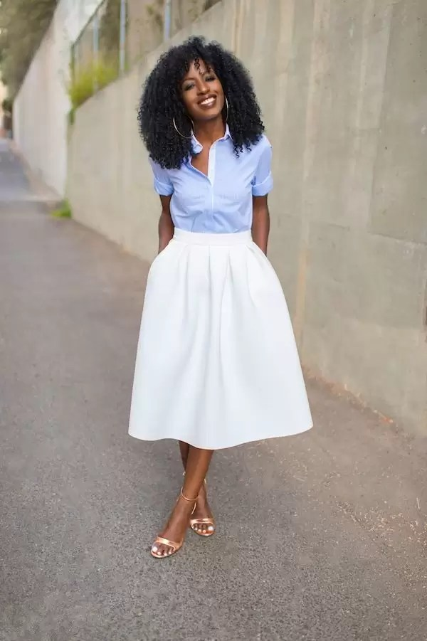 Ladies, It's Time To Get Your Blue Game On With These Awesome Blue Shirt Outfit Ideas 8