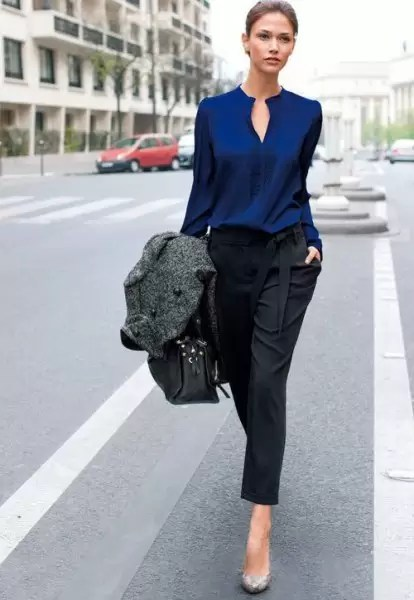 Ladies, It's Time To Get Your Blue Game On With These Awesome Blue Shirt Outfit Ideas 3