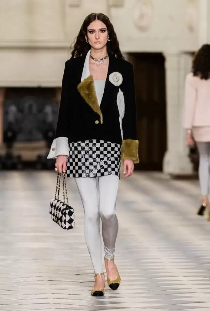 Chanel is Back To Destination Shows With Latest Métiers D'art Show 4
