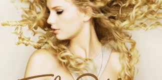 The Swifties have uncovered yet anotherhidden message and this time it has to do withTaylor's fearless album cover