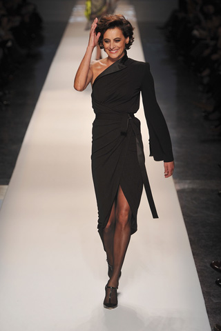 ines-in-gauthier-couture-ss09