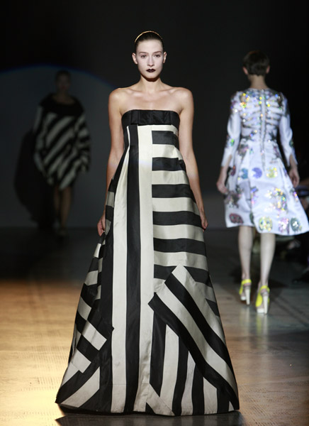 black and white gown giles deacon