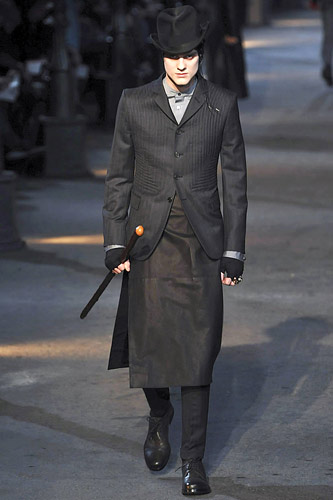Alexander McQueen FW09 menswear 3 piece suit with skirt on Exshoesme.com