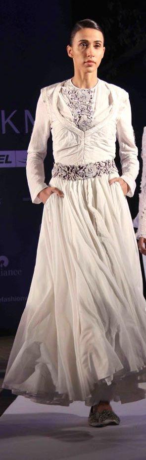 Anamika Khanna white lainga suit Summer Resort 2011 on exshoesme.com
