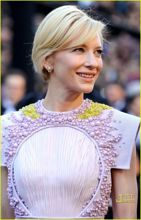 Cate Blanchett's bob at the Oscars 2011 on exshoesme.com