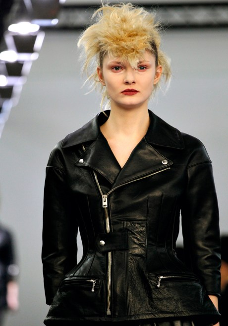 junya-watanabe-rtw-fw2011 leather jacket on exshoesme.com
