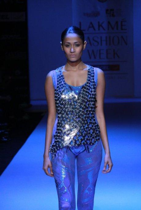 Somarta Vest at Lakme Fashion Week Tokyoeye Summer Resort 2011 on exshoesme.com