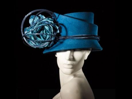 Phillip Treacy FW10 Blue Hat on exshoesme.com