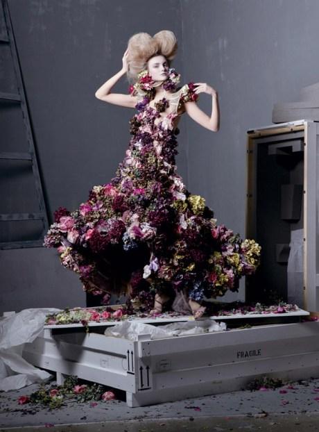 Vogue May 2011 Steven Meisel Alexander the Great Sarabande Spring 2007 on exshoesme.com