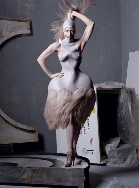 Vogue May 2011 Steven Meisel Alexander the Great It's Only a Game, Spring 2005 on exshoesme.com