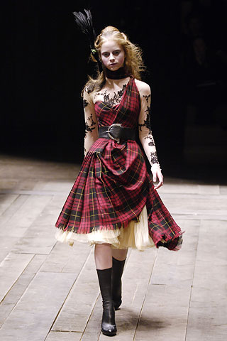 Alexander McQueen Tartan Dress FW06 on exshoesme.com