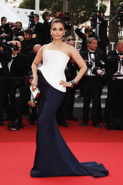 Aishwarya Rai in Armani Prive at the 2011 Cannes Film Festival on exshoesme.com.