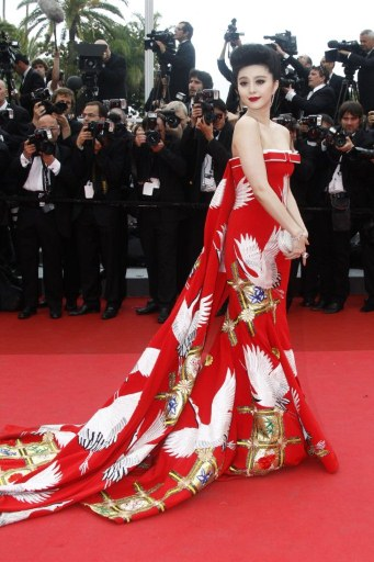 Fan Bing Bing at the 2011 Cannes Film Festival on exshoesme.com. Photo: MSN.