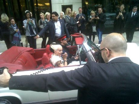Daphne drives off to The Met Ball on exshoesme.com. Photo by Wynn Burson.