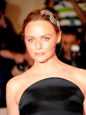 Stella McCartney in a Cartier hairpiece at the Met Ball 2011 on exshoesme.com