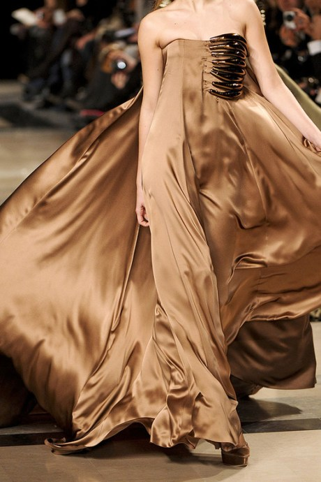 Stephane Rolland Spring 2011 Haute Couture Claw Gown Detail on exshoesme.com