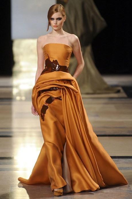 Stephane Rolland Spring 2011 Haute Couture Golden Spill Dress on exshoesme.com