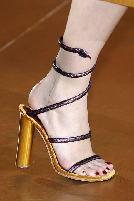 Marc Jacobs SS11 Purple Snake Sandals on exshoesme.com