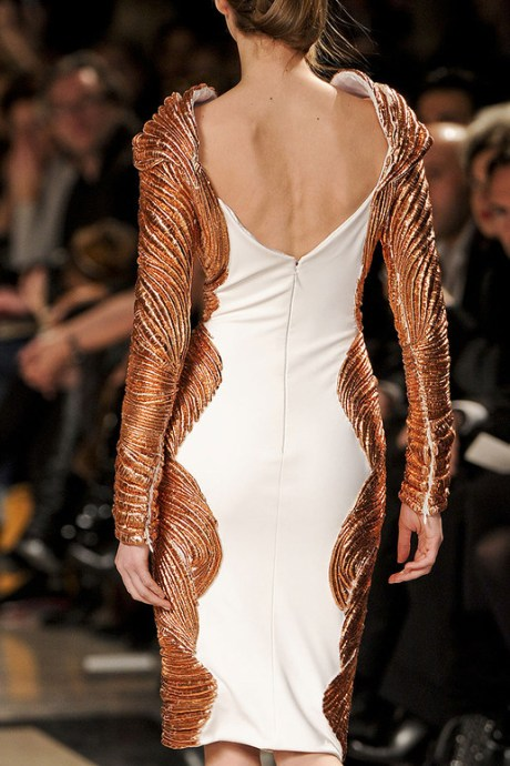 Stephane Rolland Spring 2011 Haute Couture Copper Dress Back on exshoesme.com