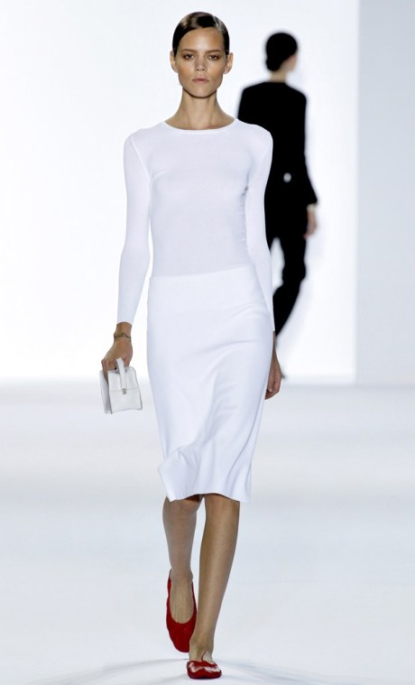 Chloe SS11 White Skirt and Top with Red Shoes on exshoesme.com