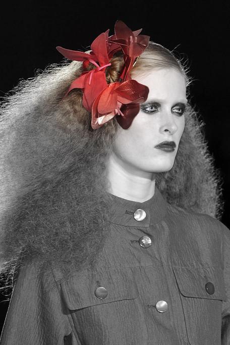 Marc Jacobs SS11 Floral Hair Piece 1 on exshoesme.com