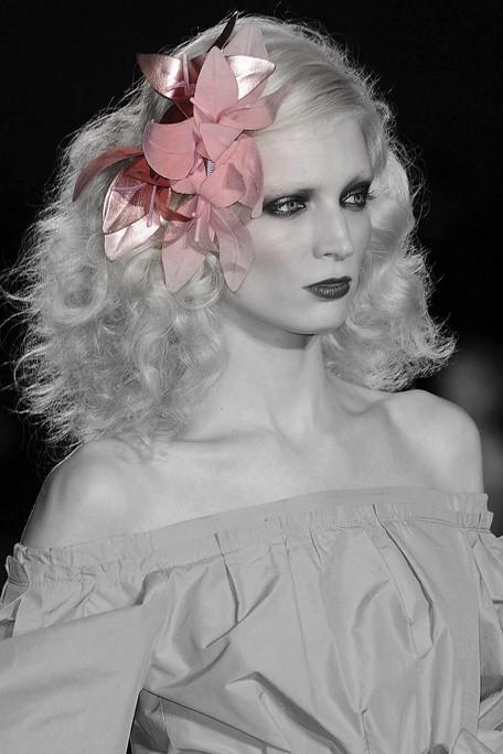 Marc Jacobs SS11 Floral Hair Piece 3 on exshoesme.com