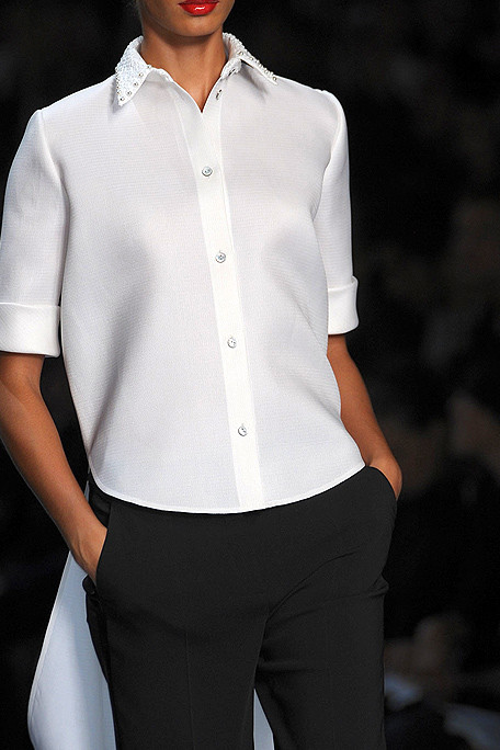 Viktor and Rolf SS11 White Shirt with Tails Detail on exshoesme.com