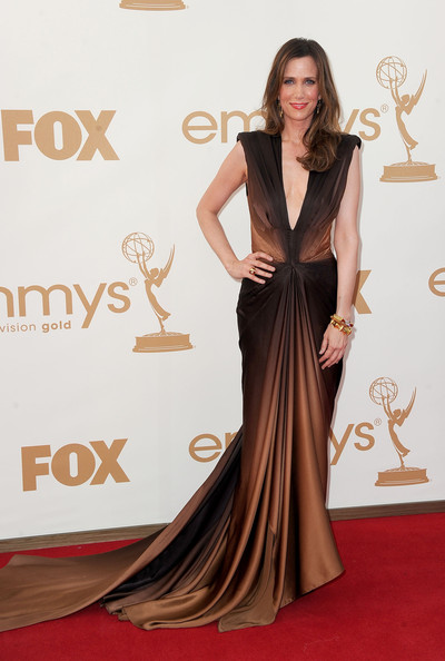 1 Kristen Wiig in Zac Posen at the 2011 Emmy Awards on Exshoesme.com.
