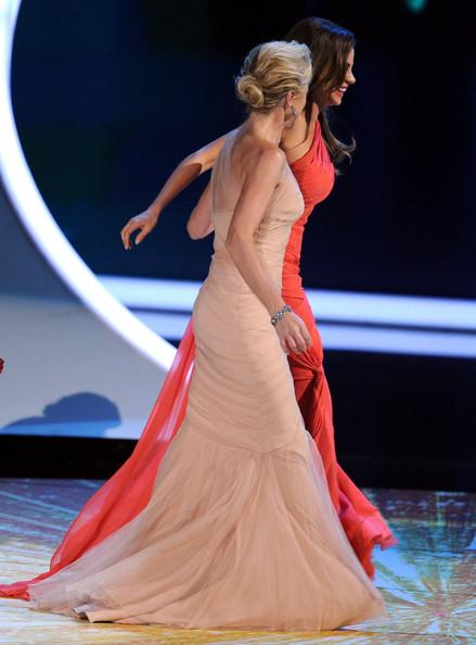 8 Edie Falco and Sofia Vergara at the 2011 Emmy Awards on Exshoesme.com