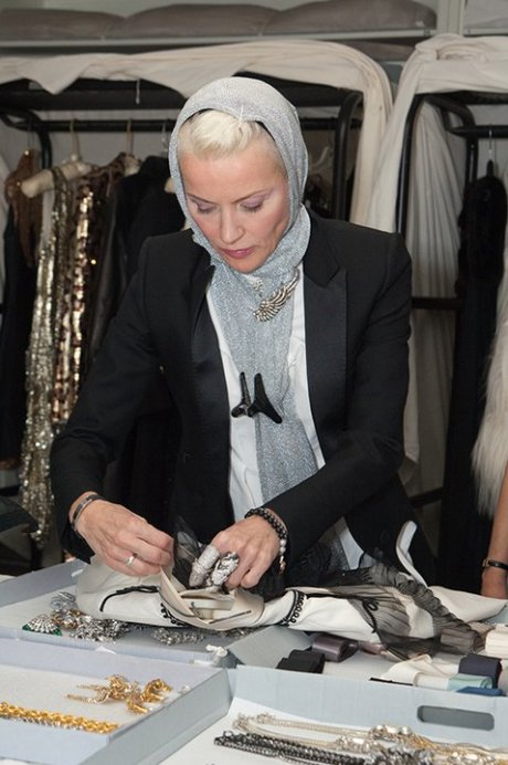 Daphne Guinness preparing for the exhibit. FIT photo on Exshoesme.com