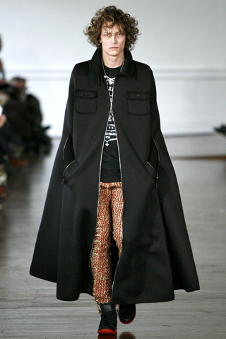 Alexis Mabille FW11 Menswear Long Black Zippered Cape on Exshoesme.com