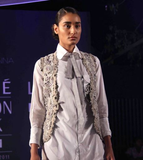Anamika Khanna Spring Resort 2011 Collar Tied Shirt on Exshoesme.com