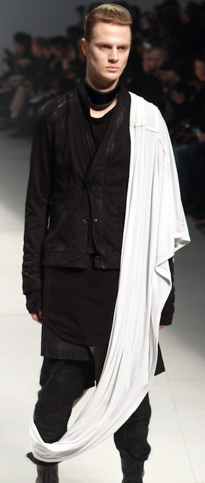 Julius FW11 Menswear Draped Shawl on Exshoesme.com