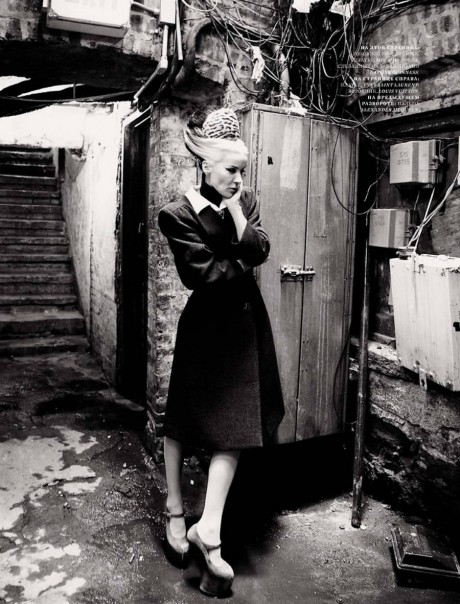 2 Daphne Guinness photographed by Alan Gelati for Harper's Bazaar Russia December 2011 on Exshoesme.com