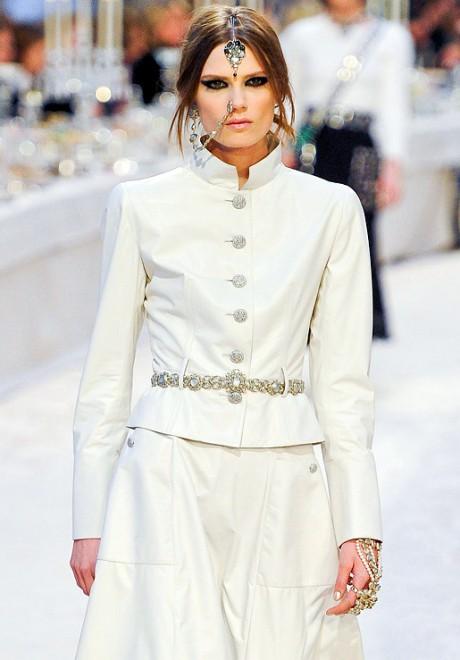 Chanel Métiers d'Art PF12 Paris-Bombay Collection White Nehru Collar Jacket Exshoesme.com
