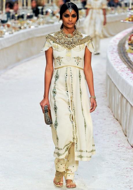Chanel Métiers d'Art PF12 Paris-Bombay Collection Printed Kurta Suit on Exshoesme.com