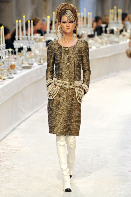Chanel Métiers d'Art PF12 Paris-Bombay Collection Tweed Long Jacket with Pearl Embellishment on Exshoesme.com