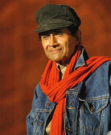 Dev Anand in newsboy cap and signature scarf on Exshoesme.com