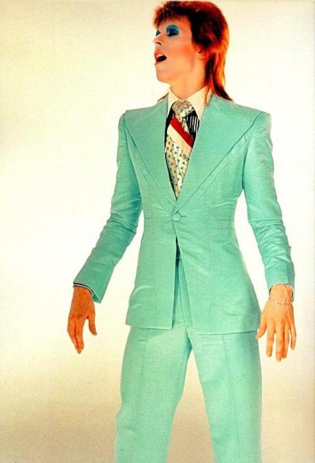 David Bowie in Green Suit on Exshoesme.com