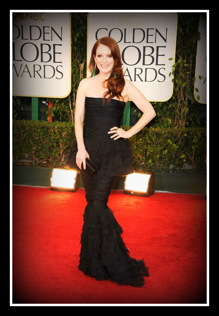 Julianne Moore in Chanel at the 2012 Golden Globe Awards on Exshoesme.com