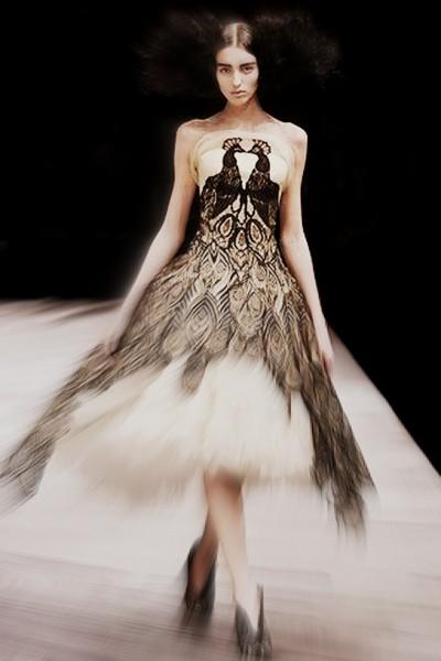 Alexander McQueen FW08 Peacock Wedding Gown on Exshoesme.com