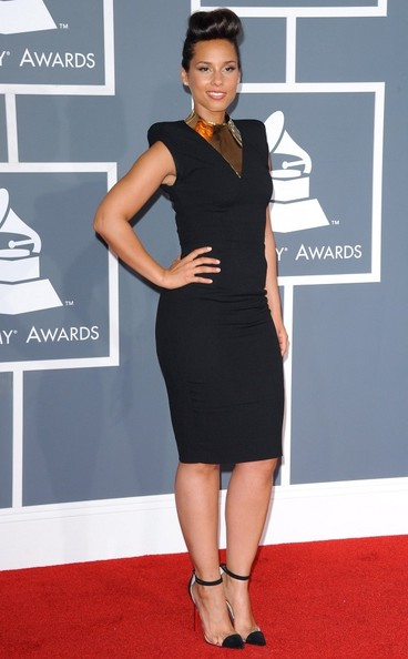 Alicia Keys in Louboutin heels at the 2012 Grammy Awards on Exshoesme.com