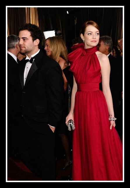 Emma Stone in Giambattista Valli Haute Couture at the 2012 Oscars on Exshoesme.com