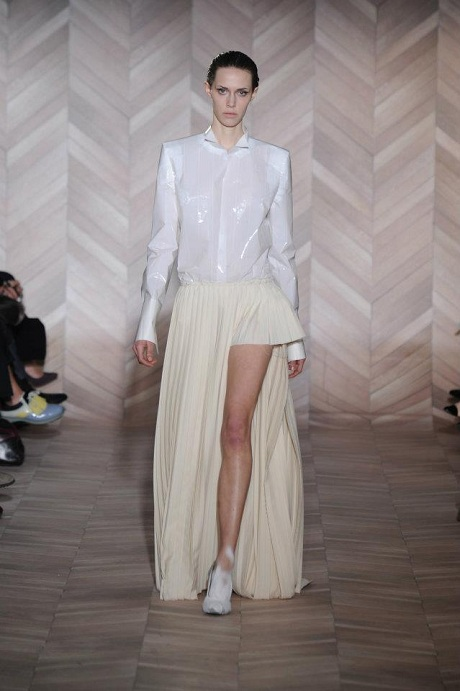 Maison Martin Margiela FW12 White Pleated Skirt with Left Leg Detail on Exshoesme.com