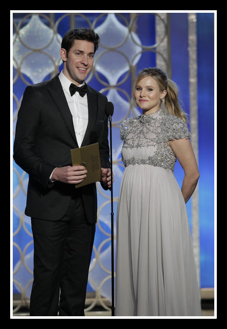 John Krasinski and Kristen Bell on stage at the 2013 Golden Globe Awards on Exshoesme.com. Photo Handout-Getty