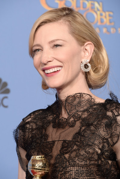 Cate Blanchett is golden at the 2014 Golden Globe Awards on Exshoesme.com. Kevin Winter photo.