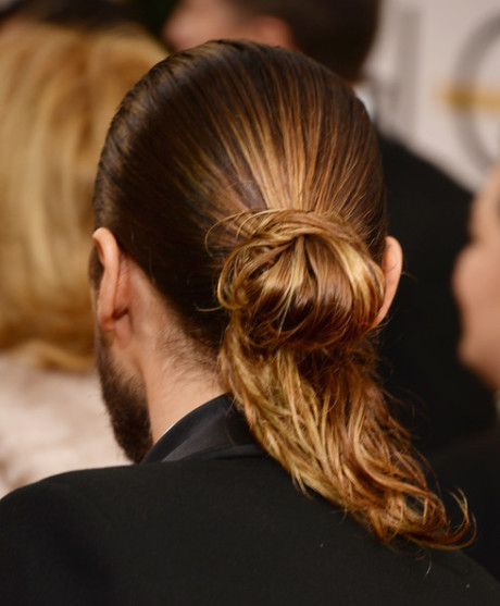 Jared Leto's man bun at the 2014 Golden Globe Awards on Exshoesme.com. Jason Merritt photo.